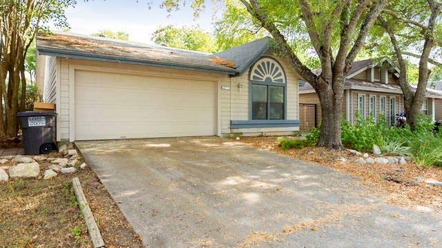 Photo 1 of 17 - 3934 Chimney Springs Dr, San Antonio, TX 78247