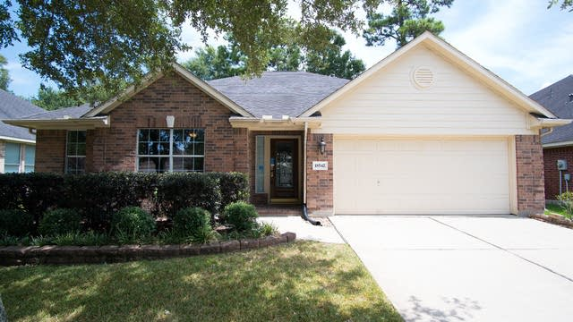 Photo 1 of 15 - 18542 Blanca Springs Ct, Humble, TX 77346
