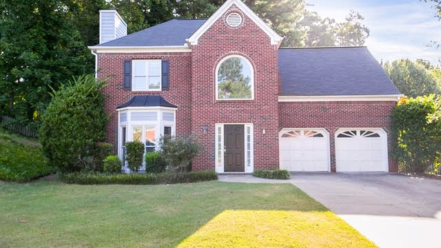Photo 1 of 30 - 2004 Cobblewood Dr NW, Kennesaw, GA 30152