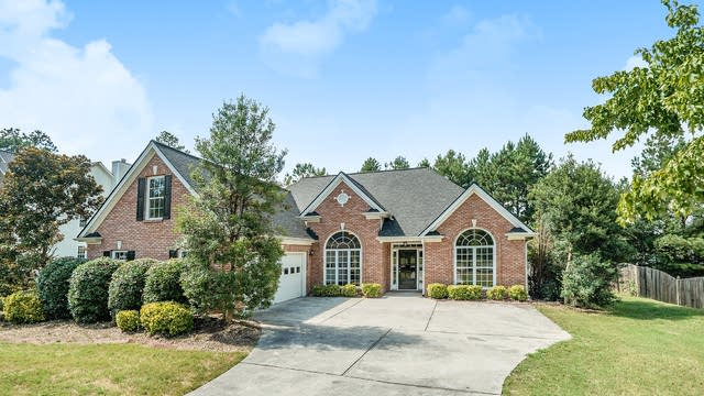 Photo 1 of 16 - 1902 Commons View Cir, Snellville, GA 30078