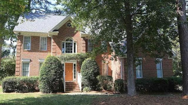 Photo 1 of 25 - 8705 Gleneagles Dr, Raleigh, NC 27613