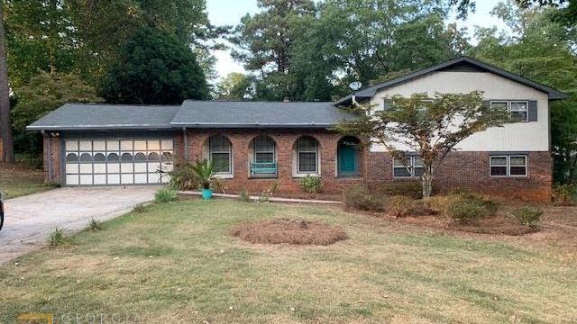 Photo 1 of 15 - 1768 Fontaine Dr, Jonesboro, GA 30236