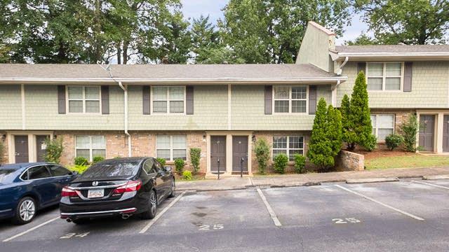 Photo 1 of 26 - 25 Villa Ct SE, Smyrna, GA 30080