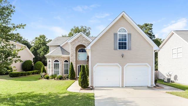Photo 1 of 25 - 2235 Lazy River Dr, Raleigh, NC 27604