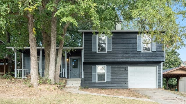 Photo 1 of 15 - 931 Clover Ln, Lawrenceville, GA 30044