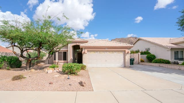 Photo 1 of 19 - 6124 W Whispering Wind Dr, Glendale, AZ 85310