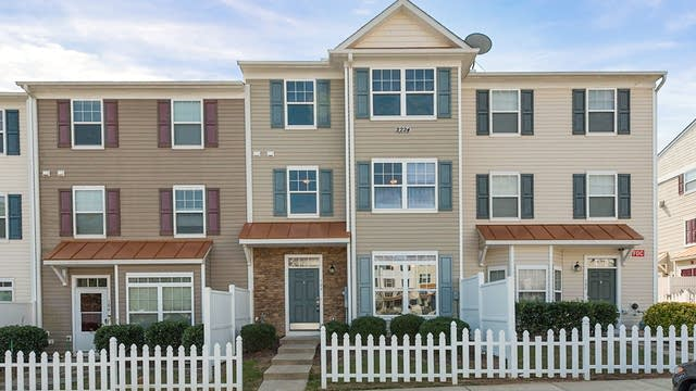 Photo 1 of 14 - 2224 Valley Edge Dr #106, Raleigh, NC 27614
