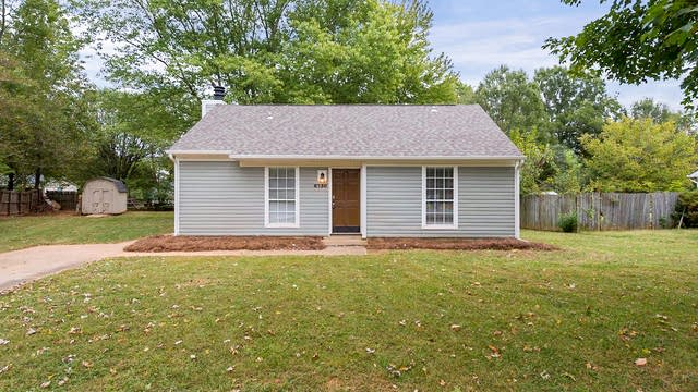Photo 1 of 13 - 6730 Woodwedge Dr, Charlotte, NC 28227