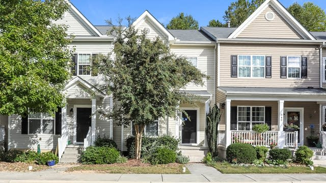 Photo 1 of 25 - 347 Anterbury Dr, Apex, NC 27502