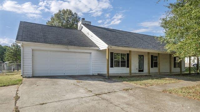 Photo 1 of 17 - 408 Bee Maxey Rd, Winder, GA 30680