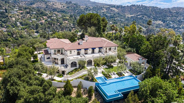 Photo 1 of 2 - 3100 Benedict Canyon Dr, Beverly Hills, CA 90210
