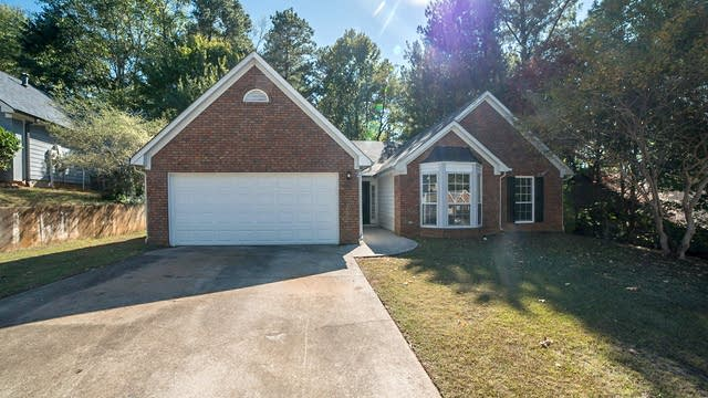 Photo 1 of 18 - 615 Paris Dr, Lawrenceville, GA 30043