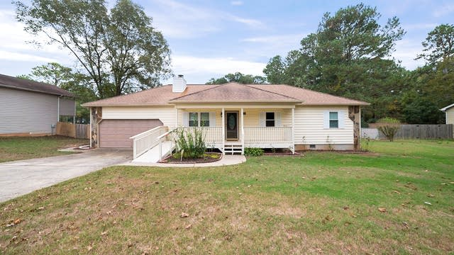 Photo 1 of 13 - 1176 Westwood Pl, Grayson, GA 30017