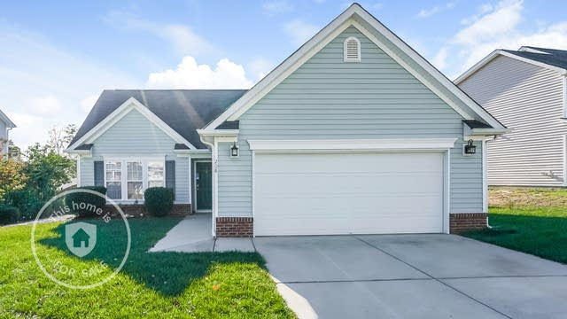 Photo 1 of 25 - 208 Braxcarr St, Holly Springs, NC 27540