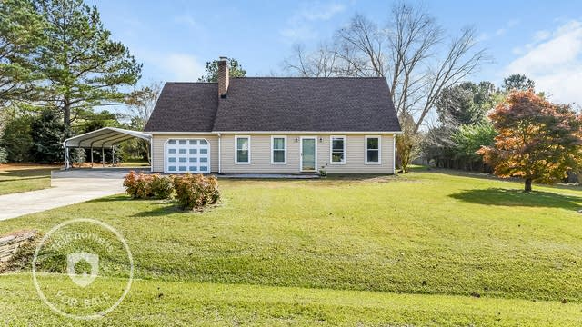 Photo 1 of 25 - 1517 Old Clayton Rd, Willow Spring, NC 27592