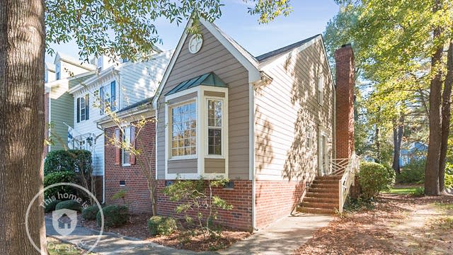 Photo 1 of 19 - 2812 Bedfordshire Ct, Raleigh, NC 27604