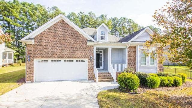 Photo 1 of 30 - 8 Larkspur Ct, Youngsville, NC 27596