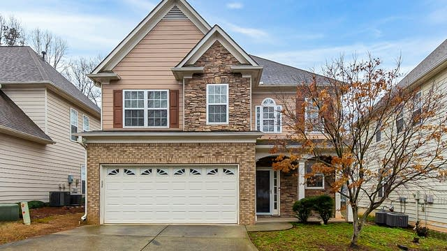 Photo 1 of 28 - 2212 Orchard Park Cir NW, Kennesaw, GA 30152