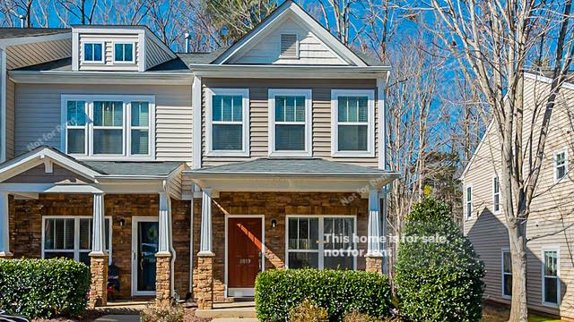 Photo 1 of 20 - 8019 Sunset Branch Ct, Raleigh, NC 27612