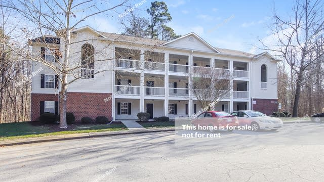 Photo 1 of 25 - 1901 Trailwood Heights Ln #102, Raleigh, NC 27603