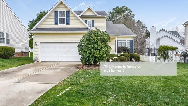 Photo 1 of 25 - 104 Fountain Springs Rd, Holly Springs, NC 27540