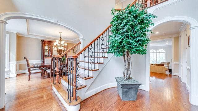 Photo 1 of 30 - 7008 Potomac Ct, Raleigh, NC 27613