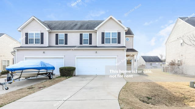 Photo 1 of 25 - 237 Payton Dr, Clayton, NC 27527