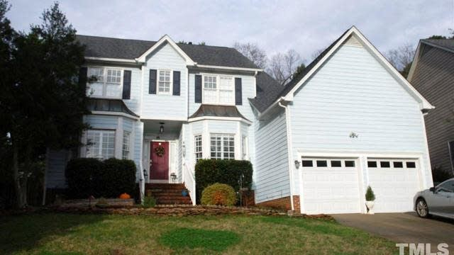 Photo 1 of 29 - 5216 Halcott Ct, Raleigh, NC 27613