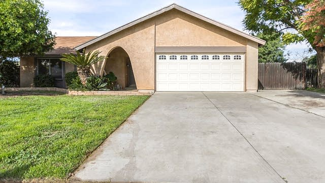 Photo 1 of 19 - 11131 Davenport Pl, Riverside, CA 92505