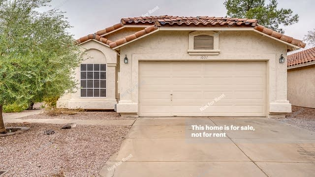 Photo 1 of 15 - 1037 W Cantebria Dr, Gilbert, AZ 85233