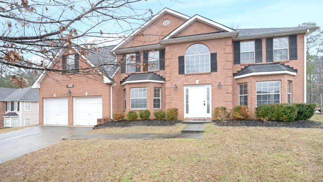 Photo 1 of 19 - 6206 Wurtenburg Ct, Stone Mountain, GA 30087
