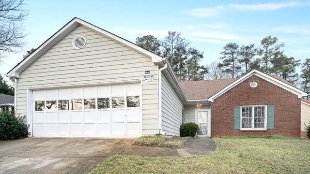Photo 1 of 17 - 2190 Boone Pl, Snellville, GA 30078