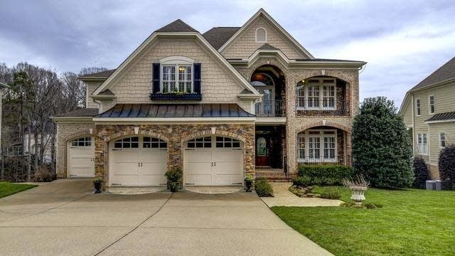 Photo 1 of 30 - 5304 Tallowtree Dr, Raleigh, NC 27613