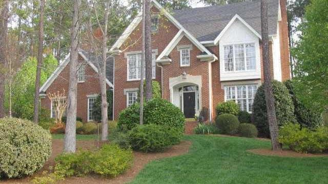 Photo 1 of 12 - 3124 Cranesbill Dr, Raleigh, NC 27613