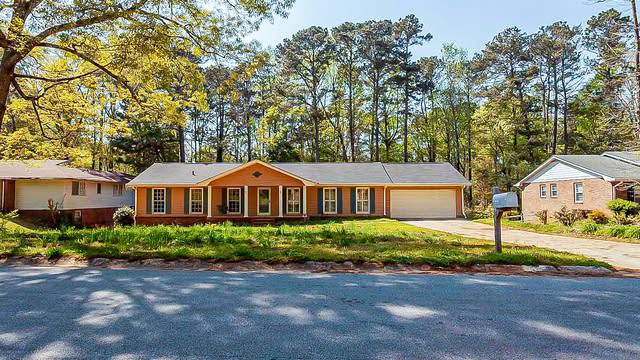 Photo 1 of 42 - 2528 Country Club Dr SE, Conyers, GA 30013