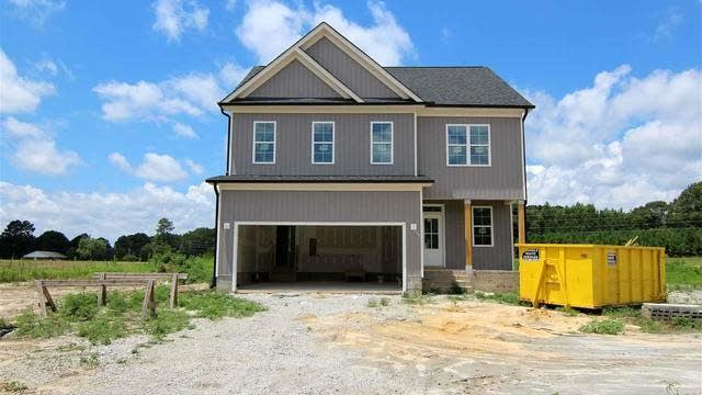 Photo 1 of 19 - 30 Eagle Chase Ct, Youngsville, NC 27596