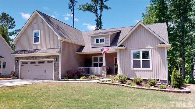 Photo 1 of 30 - 303 Laurel Oaks Dr, Youngsville, NC 27596