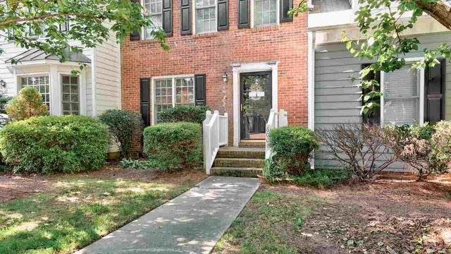Photo 1 of 23 - 6007 Epping Forest Dr, Raleigh, NC 27613
