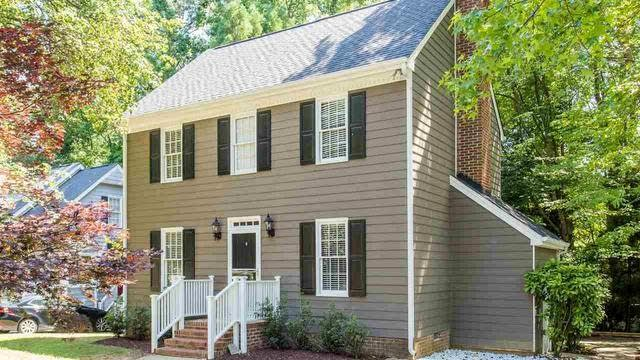 Photo 1 of 25 - 4513 Lancashire Dr, Raleigh, NC 27613