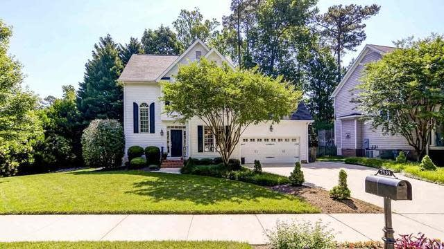 Photo 1 of 22 - 7934 Pine Timber Dr, Raleigh, NC 27613