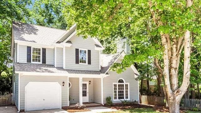 Photo 1 of 15 - 12109 Townmeade Ct, Raleigh, NC 27613