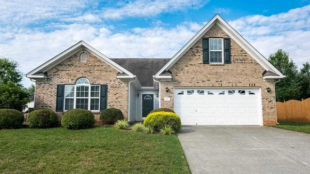 Photo 1 of 22 - 20 Leaf Spring Way, Youngsville, NC 27596