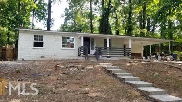 Photo 1 of 13 - 437 Camelot Pkwy, Jonesboro, GA 30236