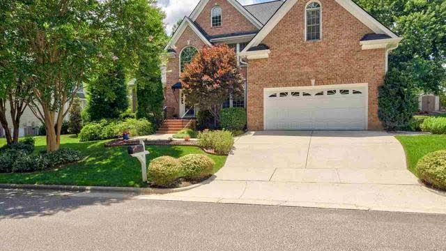 Photo 1 of 28 - 2505 Wertherson Ln, Raleigh, NC 27613