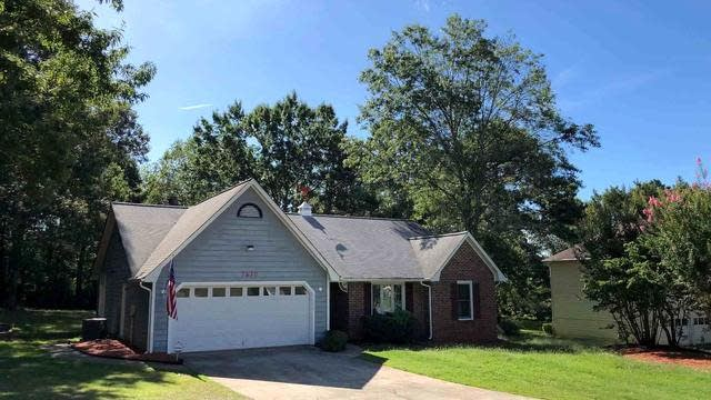 Photo 1 of 15 - 7630 Highland Park Dr, Jonesboro, GA 30236