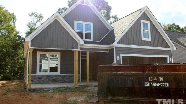 Photo 1 of 30 - 124 Sweetbay Park, Youngsville, NC 27596