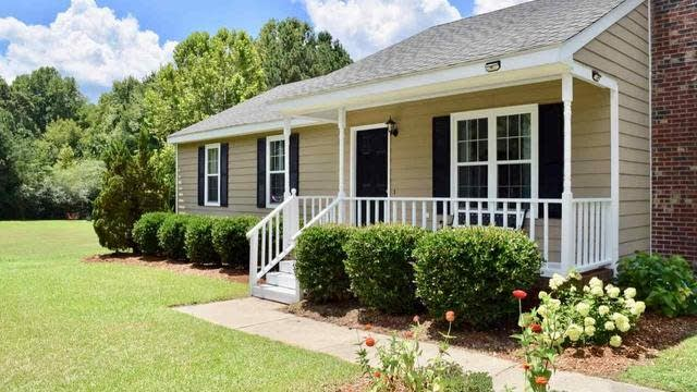Photo 1 of 28 - 192 Kent St, Youngsville, NC 27596