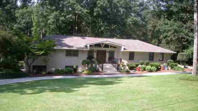 Photo 1 of 44 - 3174 Jodeco Dr, Jonesboro, GA 30236