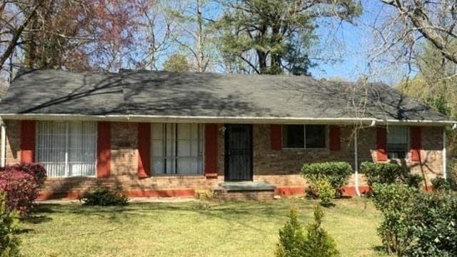 Photo 1 of 6 - 850 King Rd, Jonesboro, GA 30236