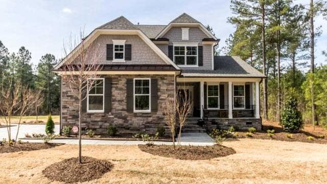 Photo 1 of 26 - 15 Green Haven Blvd, Youngsville, NC 27596